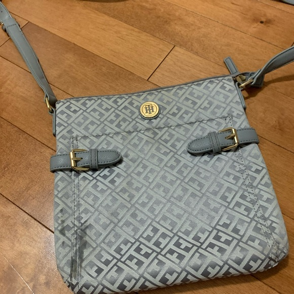 Tommy Hilfiger Crossbody (as is)